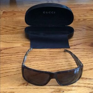 Gucci Brown Sunglasses with Dust Cloth and Case